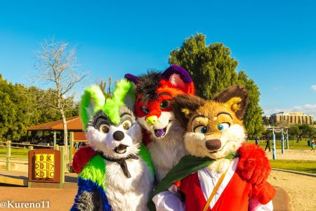 Feb42017-3fursuiters Kureno11