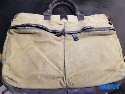 Other side of messenger bag found at SoCal Furs' FurBQ 2017